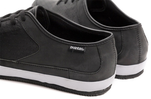 Pointer Toby Plimsolls