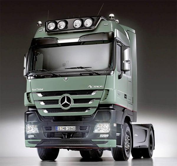 "Mercedes Actros ""Trust"" Semi"