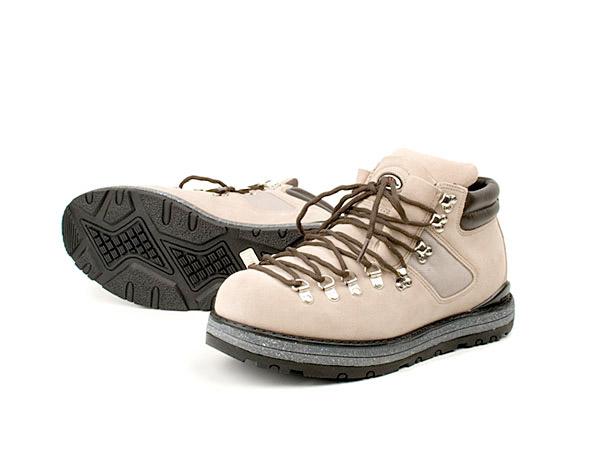 Serra Talkeetna Boots