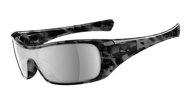 Oakley Antic