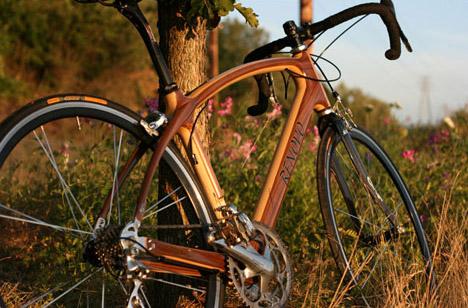 R4 Pursuit Bike