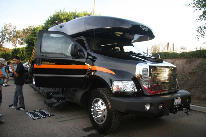 Dunkel Luxury 4×4 RV
