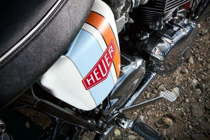 Triumph Bonneville Heuer