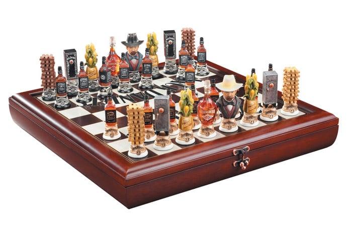 Jack Daniel 39 S Chess Set The Awesomer