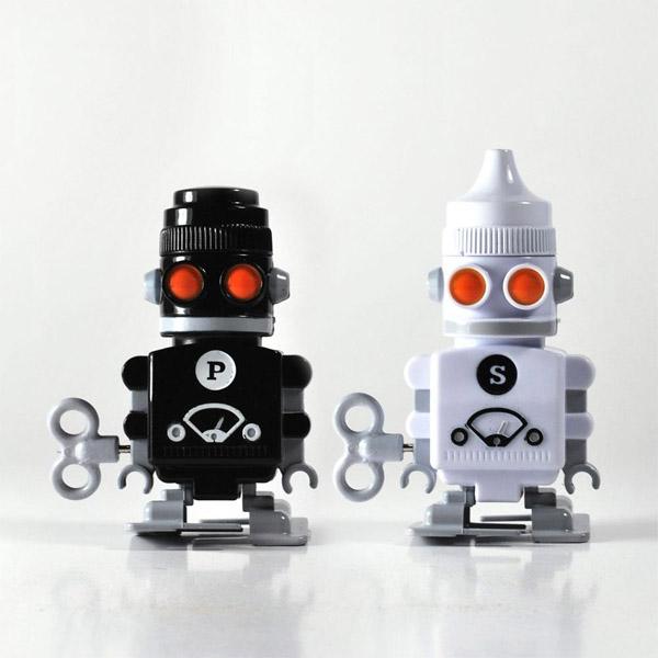 Salt & Pepper Bots