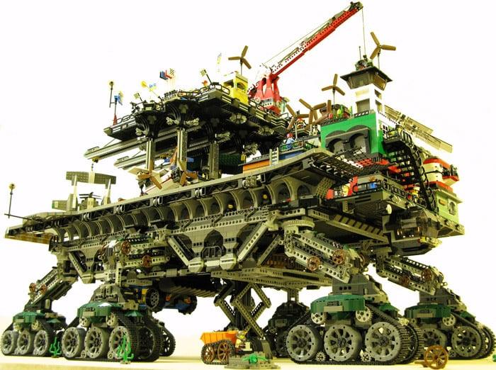 LEGO: Crawler Town