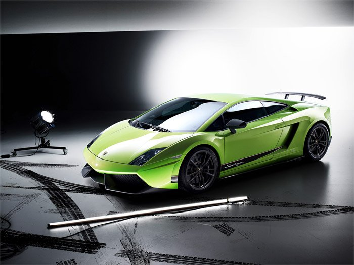 2011 Lamborghini Superleggera