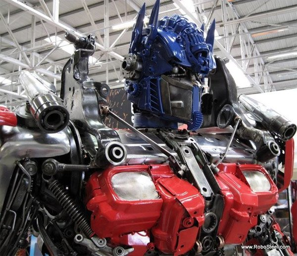 2.5 Meter Optimus Prime
