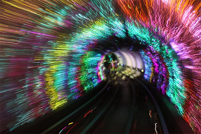 Shanghai: Bund Sightseeing Tunnel - Photo: Erwyn van der Meer