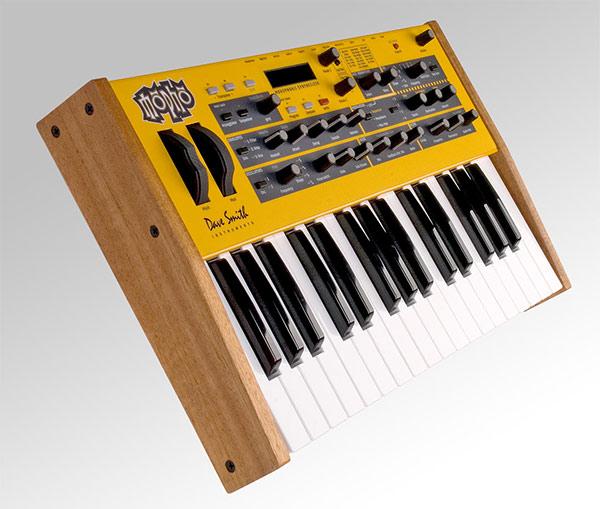 Mopho Analog Synthesizer