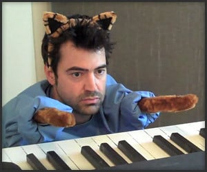 Ron Livingston Keyboard Cat