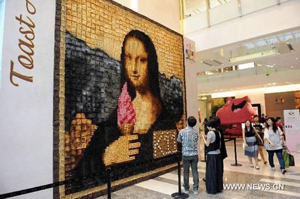 Burnt Toast Mona Lisa