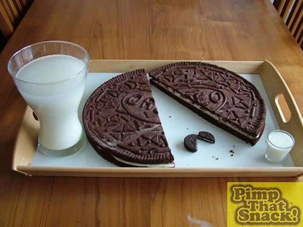 Plate-Sized Oreo