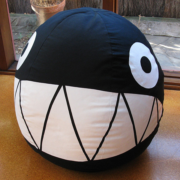 Mega Chain Chomp Chair