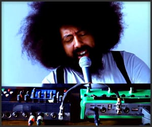 Reggie Watts: Deconstruction