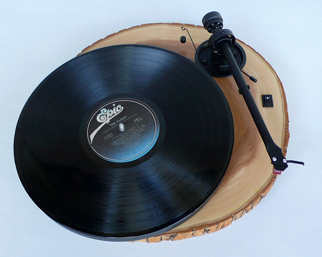 Audiowood Chipmunk Turntable