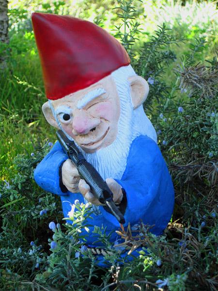 Etonnant Combat Garden Gnomes ...