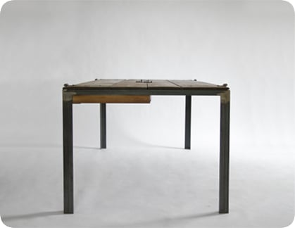 Manoteca Indoor Table
