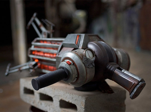 Hl2 Gravity Gun Replica The Awesomer