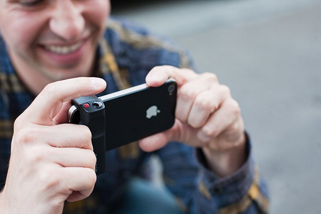 Belkin iPhone Shutter Grip