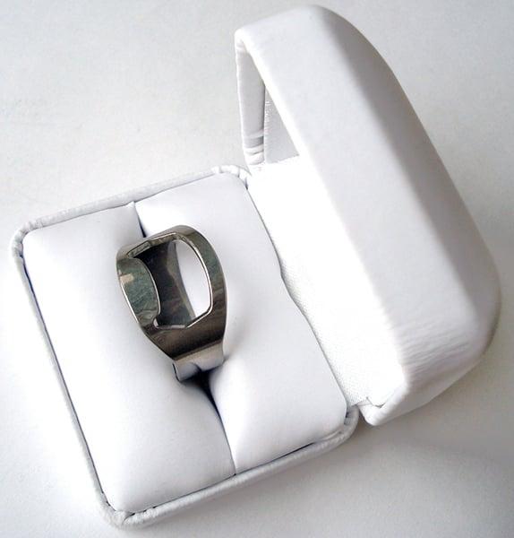 ring bottle opener the awesomer. Black Bedroom Furniture Sets. Home Design Ideas