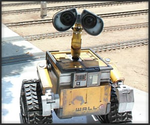 Life-Size Wall-E Replica