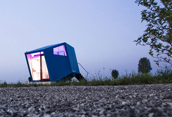 Hypercubus Mobile Hotel