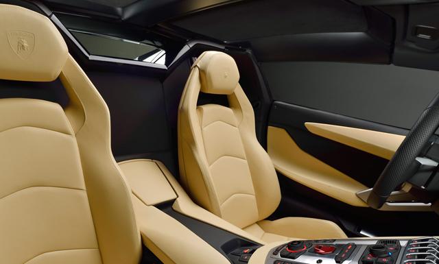Aventador LP 700-4 Roadster