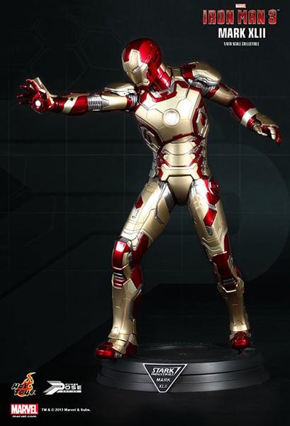 Hot Toys Iron Man Mk XLII