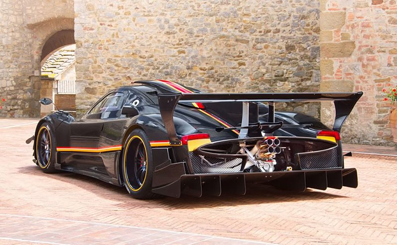 Pagani Zonda Revolucion - The Awesomer