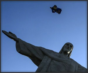 Red Bull Air Force: Rio Wingsuits