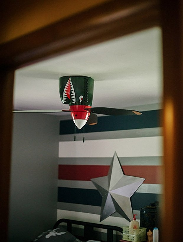 P 40 flying tiger ceiling fan the awesomer p 40 flying tiger ceiling fan mozeypictures Images