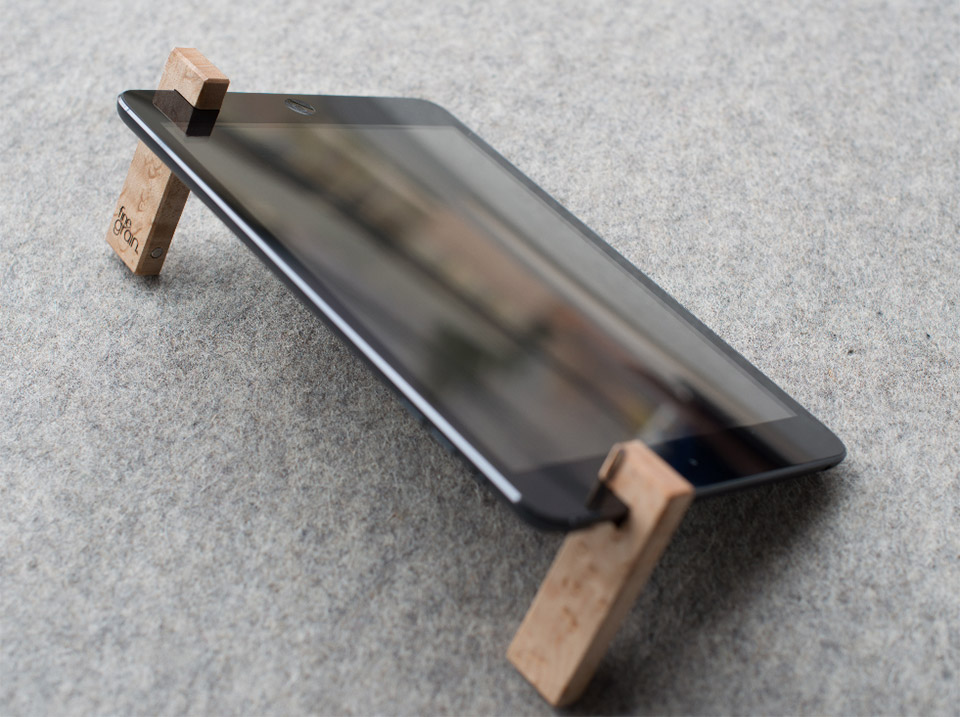 The Coburns Portable iPad Stand