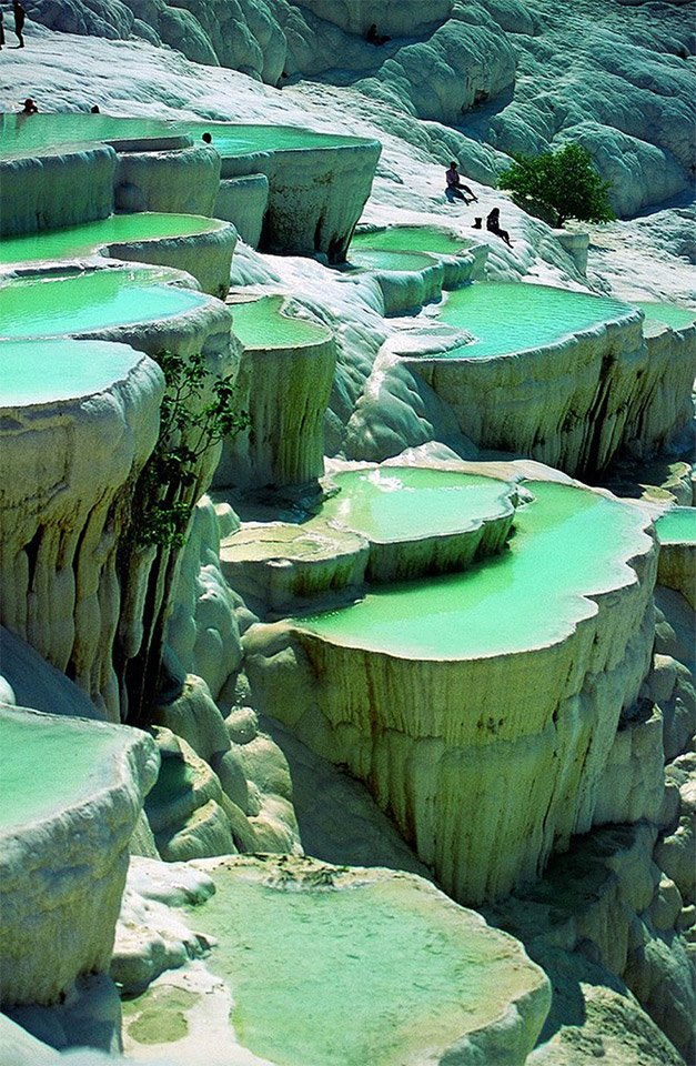 Natural Infinity Hot Springs Pool: Pamukkale, Turkey