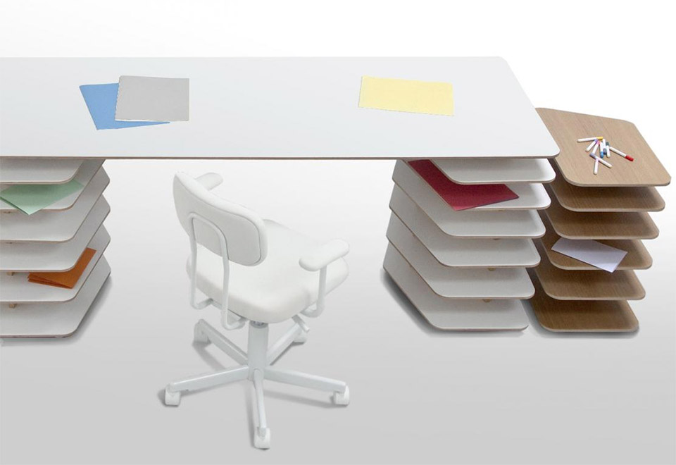 Strates Desk