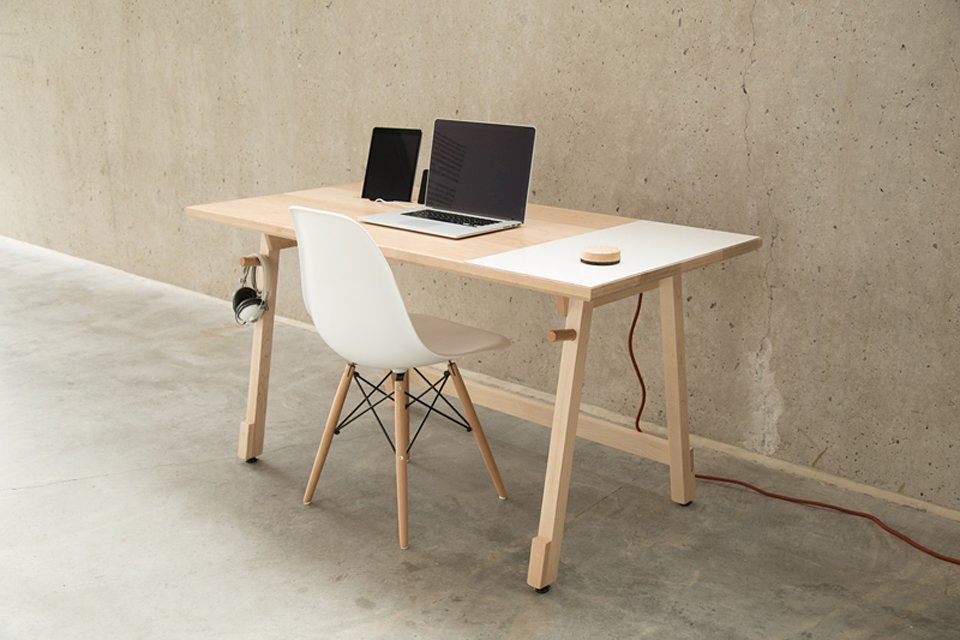 Artifox Desk 01