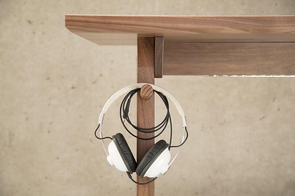 Artifox Desk 01