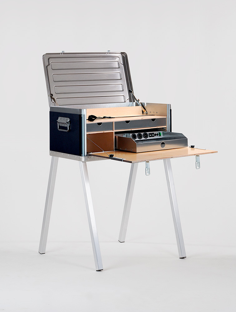 Kanz Field Power Desk