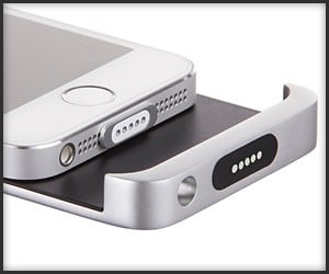 Magnetic Lightning Port Adapter