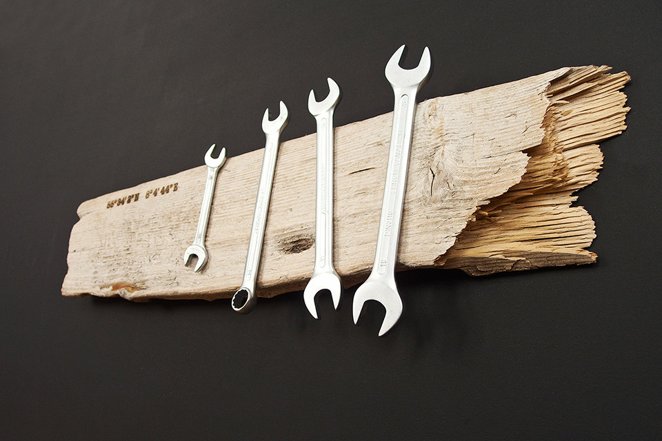 Magnetic Driftwood Boards