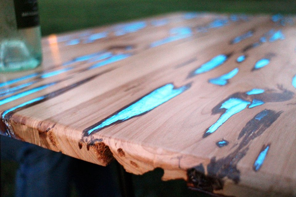 Instructables editor Mike Warren made a rustic glow-in-the-dark table ...