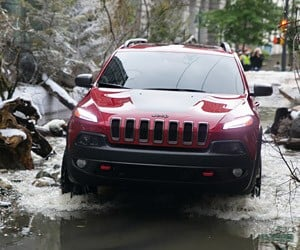 Jeep Cherokee: River in the City