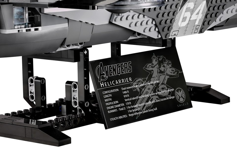 LEGO Avengers SHIELD Helicarrier