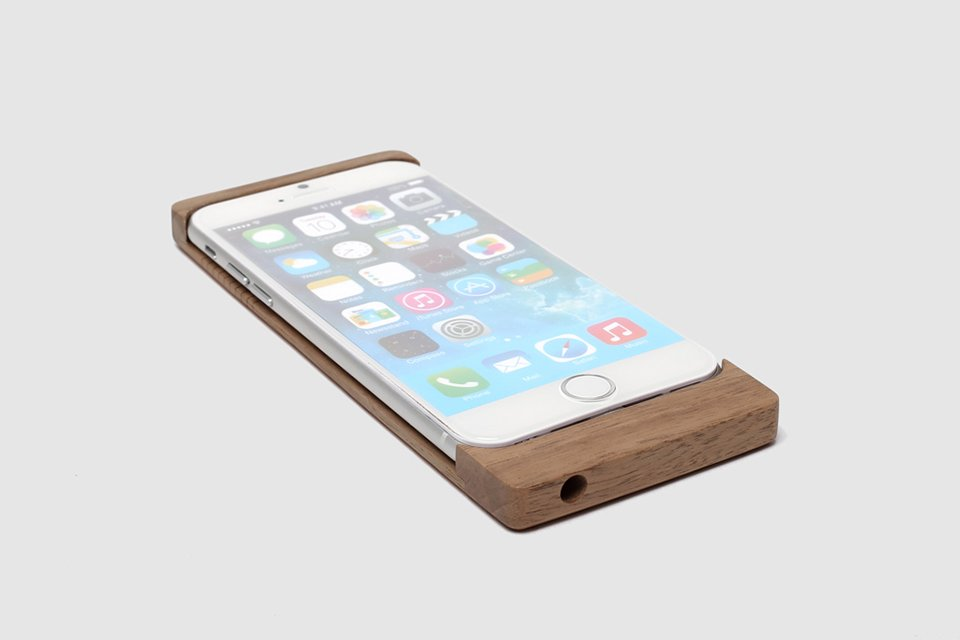 Orée iPhone Wireless Charging Case