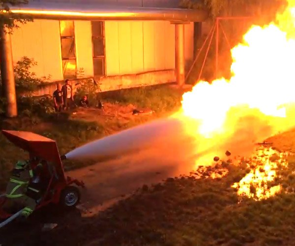 Firehose vs. Flamethrower