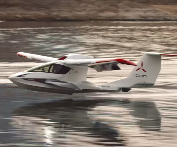 ICON A5 Takes Flight