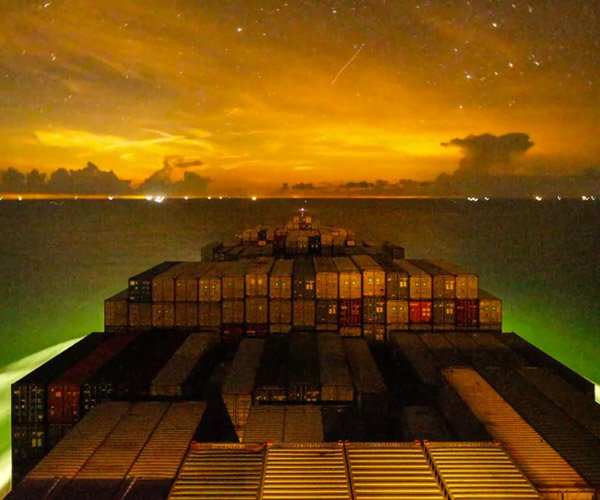 Container Ship Time-Lapse