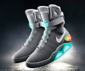 Self-Lacing Nike MAG