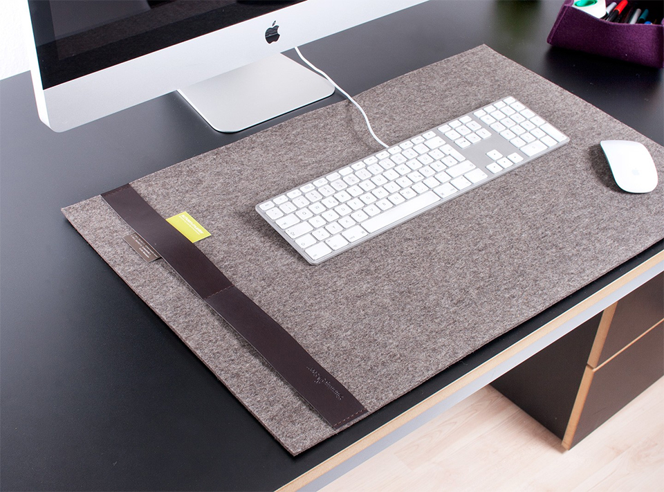 Deskpad Classic The Awesomer