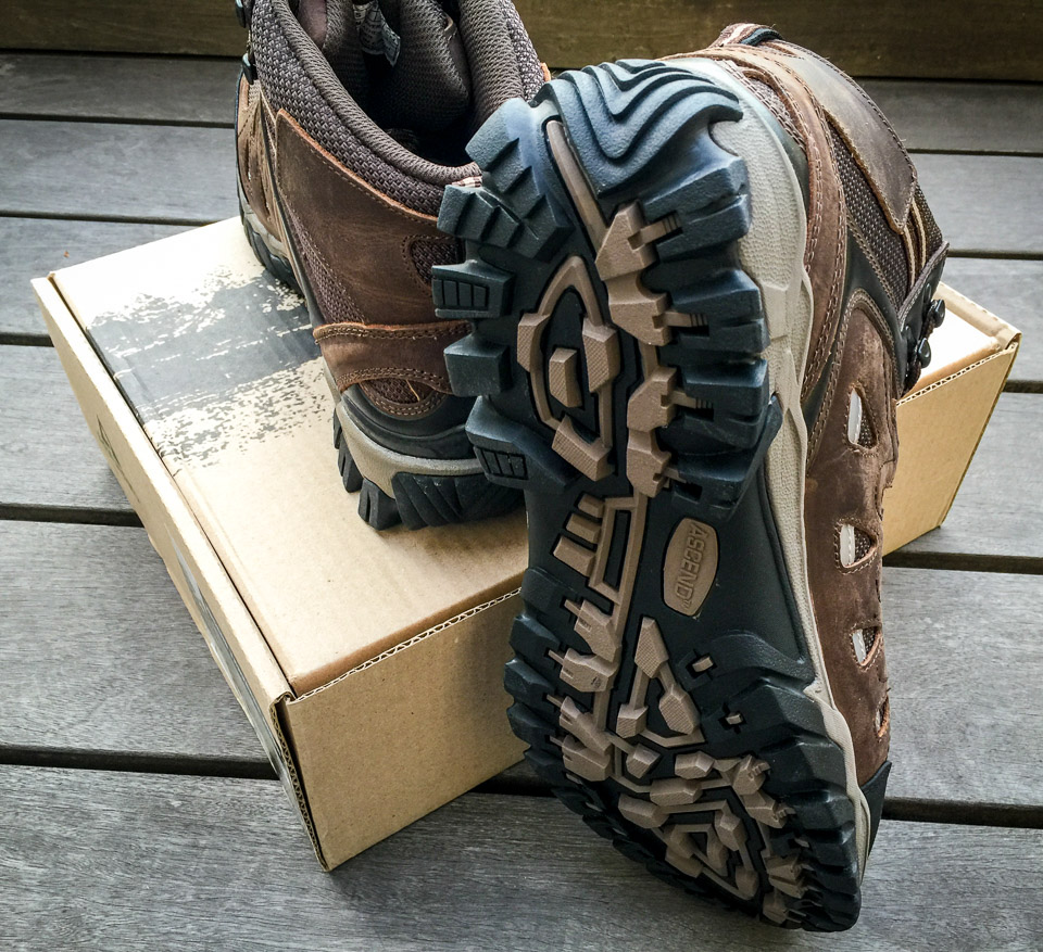 Ascend Traverse Hiking Boots